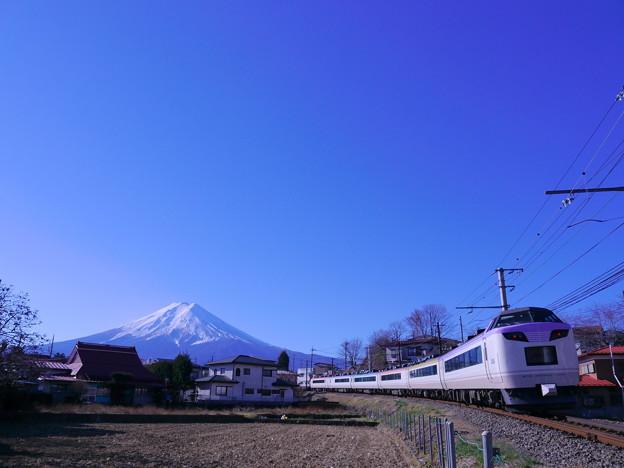 富士急行  富士山といろどり
