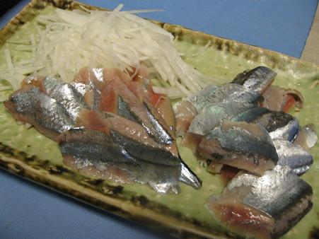 秋刀魚の刺身と〆秋刀魚