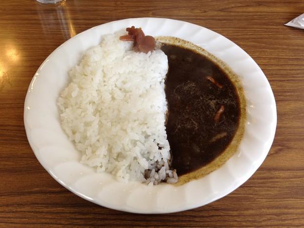カレーライス750円。