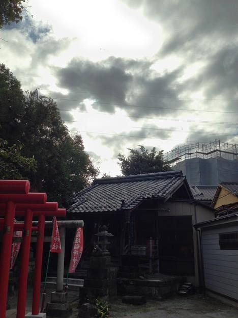 Photos: 元宿堰稲荷神社(千住桜木2)