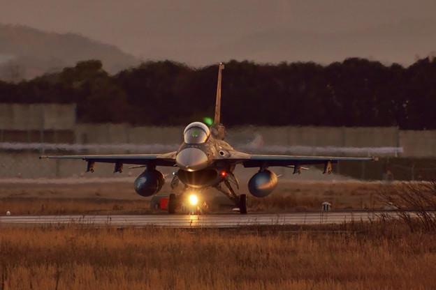 F-2 夜間訓練へ