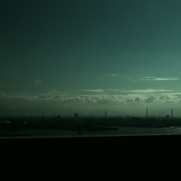 南大阪の鈍い空。