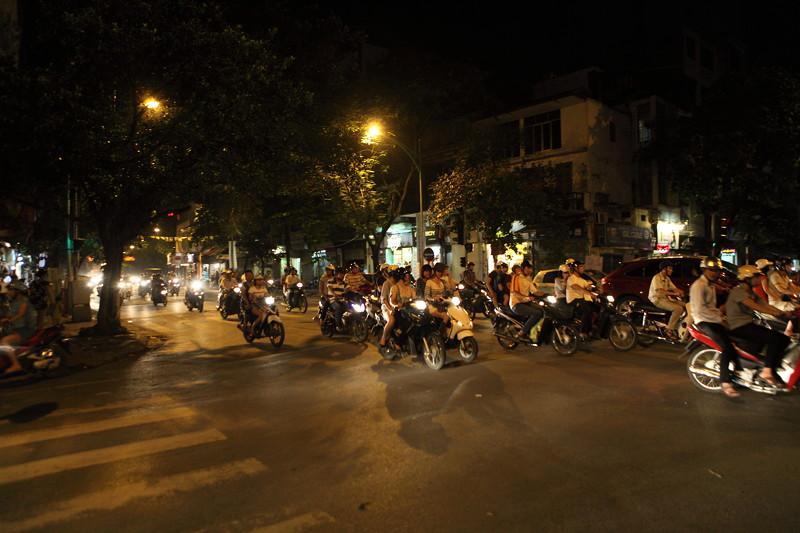 IMG_7571ベトナム旅行・ハノイにて