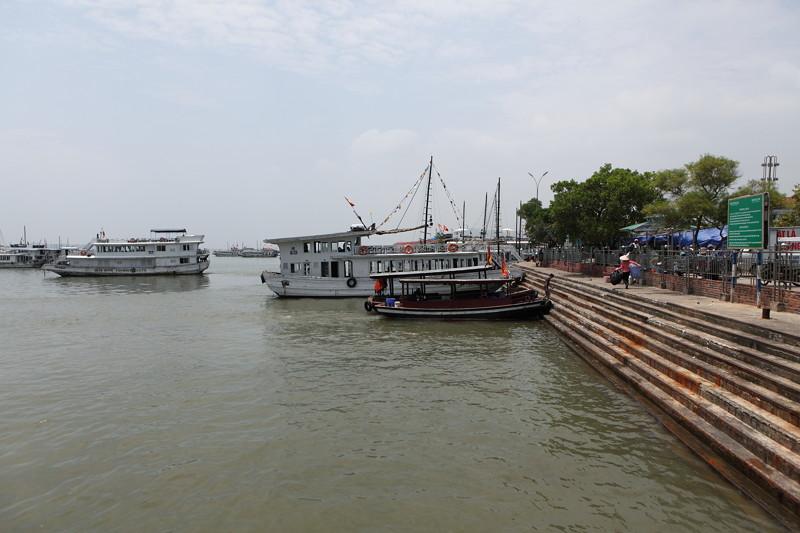 IMG_7586ベトナム旅行・ハノイにて