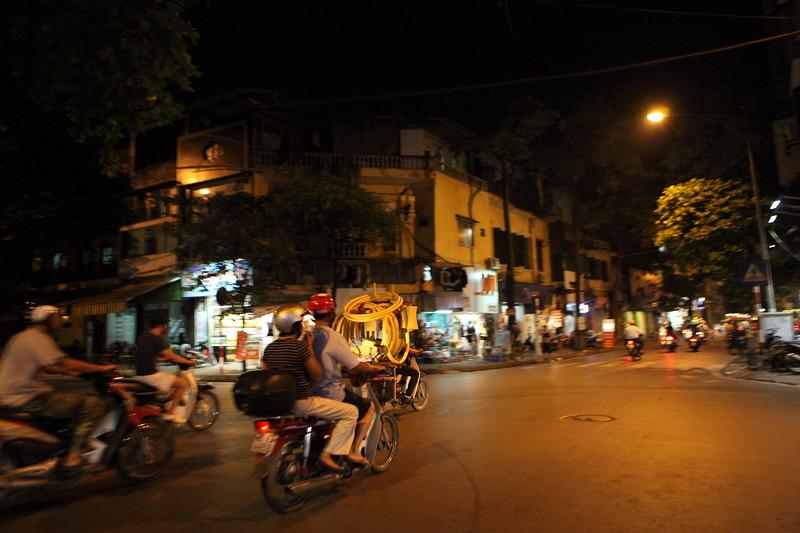 IMG_8233ベトナム旅行・ハノイにて