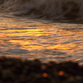 写真: 夕陽と波?