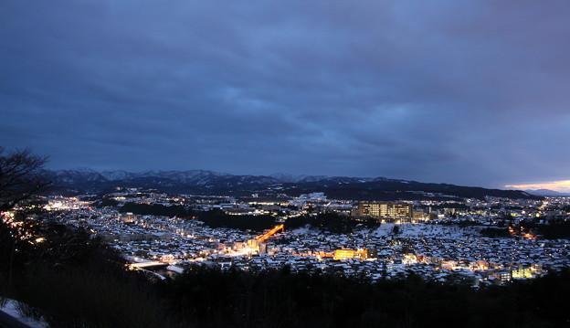 金沢市 雪の街並みと夜景(山側)4
