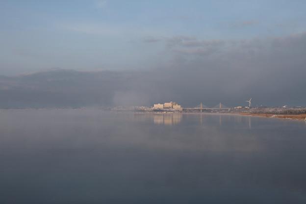 夜明けの河北潟とサンセットブリッジ
