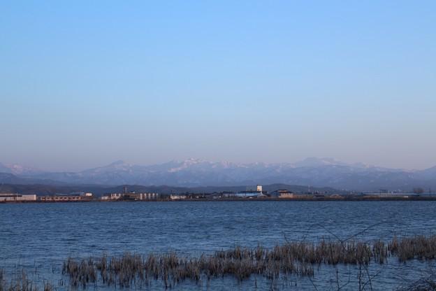 河北潟から 快晴の白山連峰