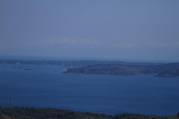 七尾湾から 立山連峰を望む  雲ではありません(^^ゞ