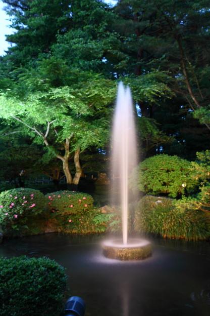 日本最古の噴水  兼六園初夏のライトアップ