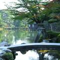 写真: 夏の兼六園 徽軫灯籠(ことじとうろう)