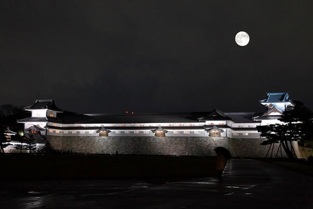 金沢城 中秋の名月(多重合成)