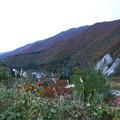 山の中の民家