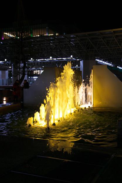 金沢駅 噴水(2)