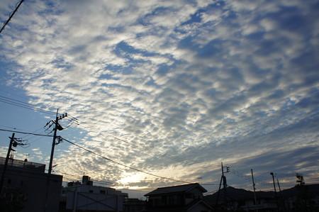 光るウロコ雲