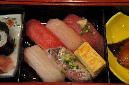 にぎり寿司5巻+玉