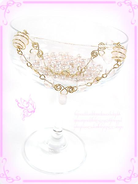 ?くるくるうるるんお花の精霊のブレスレット 天然石ローズクォーツ(紅水晶)ハンドメイド手作りワイヤーワーク(ワイヤーアート)グルグル渦巻き腕輪3