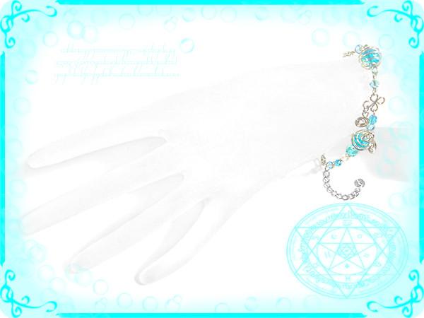 ?くるくるくるりん水の精霊のブレスレット ひびガラスビーズ(クラックガラスビーズ)手作り ハンドメイド ワイヤーワーク(ワイヤーアート)ヽ(@◇@)ノ グルグ渦巻き腕輪3