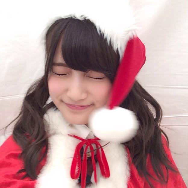 クリスマス衣装の入山杏奈
