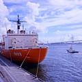 Photos: HDR 横浜港大桟橋に来た砕氷艦しらせ? ベイブリッジとの