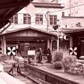 Photos: 駅舎もレトロな創りのまま。。。保存されて門司港駅
