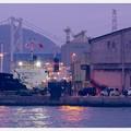 日も暮れる門司港の埠頭・・・