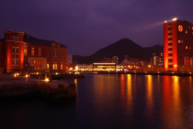 もう周囲も暗く。。門司港ライトアップ