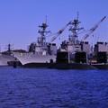 横須賀ヴェルニー公園の休日の朝・・海上自衛隊潜水艦3隻と米海軍イージス