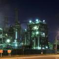 Photos: 京浜工業地帯の工場夜景 千鳥町 綺麗な光を出して?・・20130126