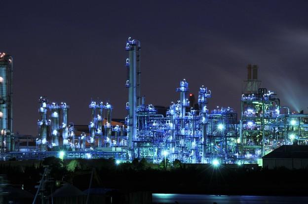京浜工業地帯の工場夜景 水江運河 近未来世界?・・20130126