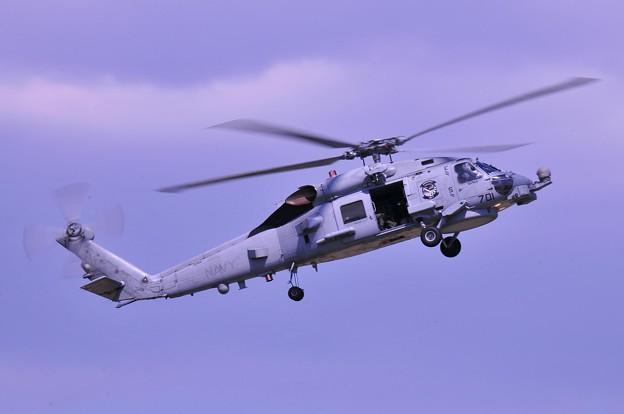 デモ訓練・・厚木のヘリコプター部隊HSM-77SABERHAWKS