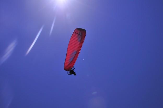 江ノ島の空を気持ちよさそうに。。パラグライダー・・20130428