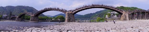 アーチを描く橋。。。錦帯橋