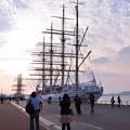 門司港に2隻の船。。。寄港