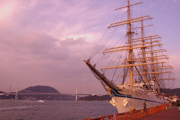 Photos: 夕暮れの関門海峡と日本丸・・・