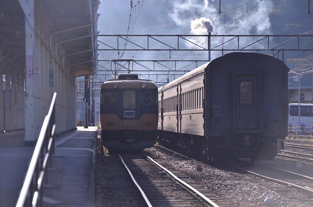 一番電車。。新金谷駅へ 旧近鉄16000系千頭行き・・20131123
