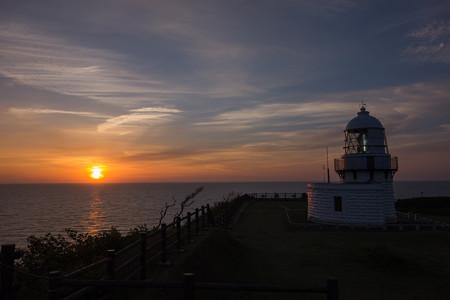 禄剛埼灯台の日の出