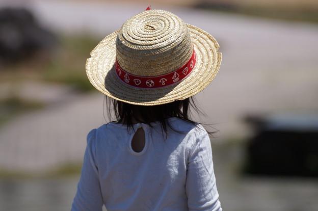 麦藁帽子の少女