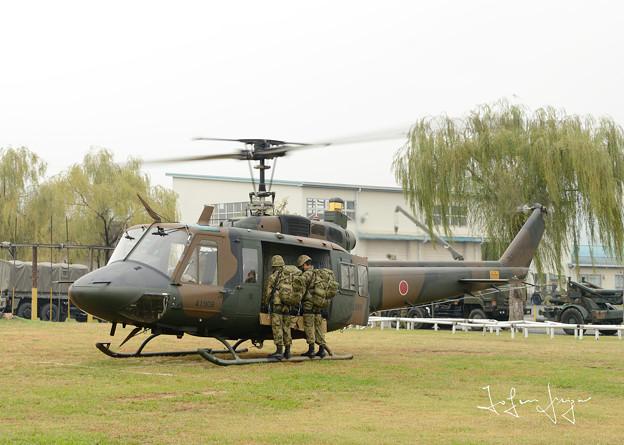 離陸準備中のUH-1J2L