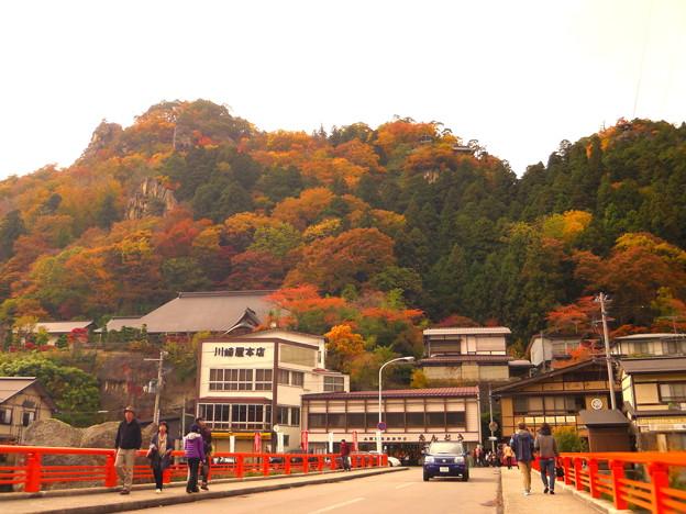 山寺宝珠橋からの紅葉