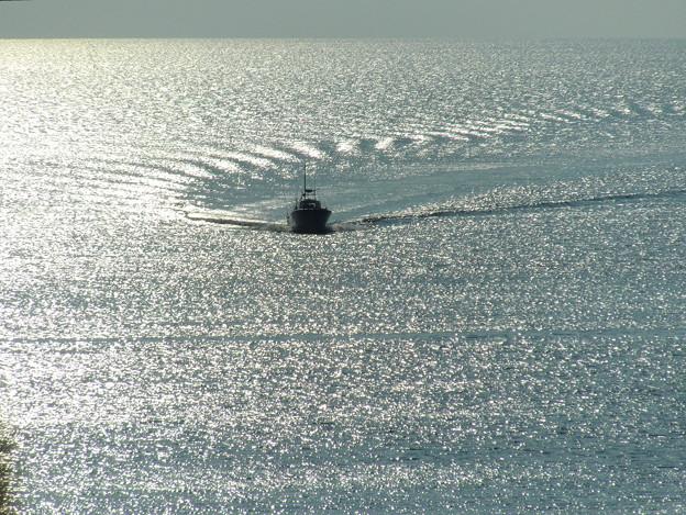 日本海と水平線&小型船舶