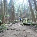 ごろごろ岩の登山道