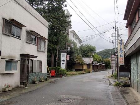 25 9 群馬 猿ケ京温泉 町並み 3