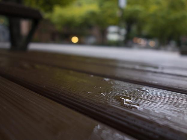 雨上がりの18:50
