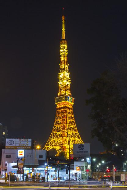 黄金色に輝く東京タワー