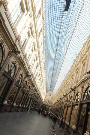 ヨーロッパ最古のアーケード Galeries St-Hubert