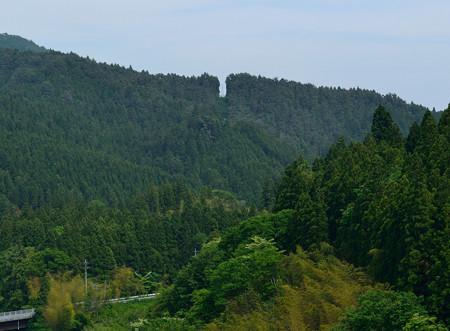 小山ダムから送電鉄塔